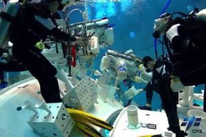 空间站任务神舟十二号模拟失重环境水下训练实拍