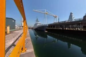 """英国近海巡逻舰""""添马""""号进船坞 将永久部署印太"""