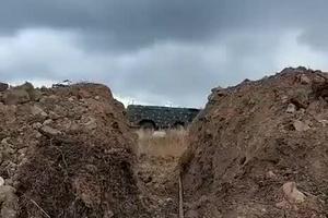 纳卡冲突中亚美尼亚使用圆点-U战术弹道导弹的画面