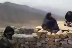 """阿富汗塔利班增兵""""最后抵抗地"""":成排美制军车开道"""