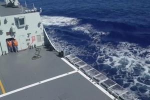 东部战区海军航空兵与远海训练编队海空联合搜救演练