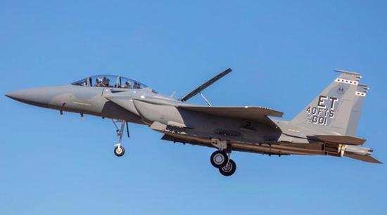 美媒:F15EX变身电子战机 干扰防空系统帮助F35突防