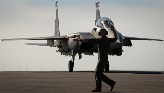 美军想买更多的F-15EX而非F-35 美媒:这是个惊喜