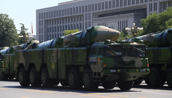 中国火箭军武器装备跨越发展 导弹发射告别读秒时代