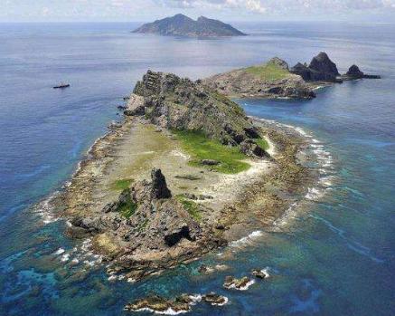 中国海警1302舰艇编队8月9日在我钓鱼岛领海巡航插图