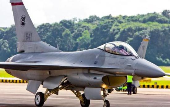 新加坡空军F-16C