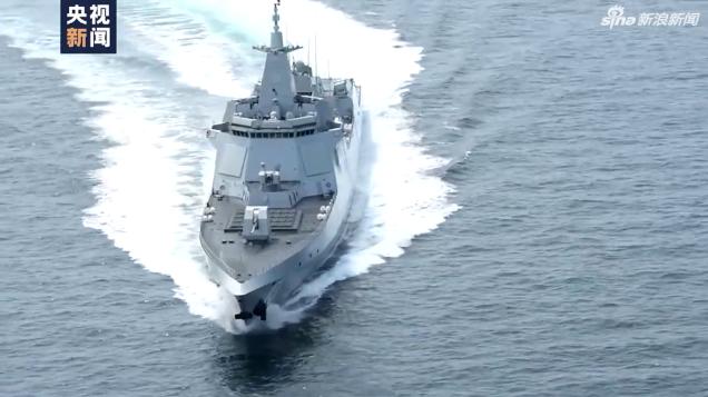 海军首艘万吨级驱逐舰南昌舰入列