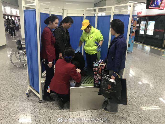 青岛崂山再次回应核酸检测外国人插队问题:将依法处置