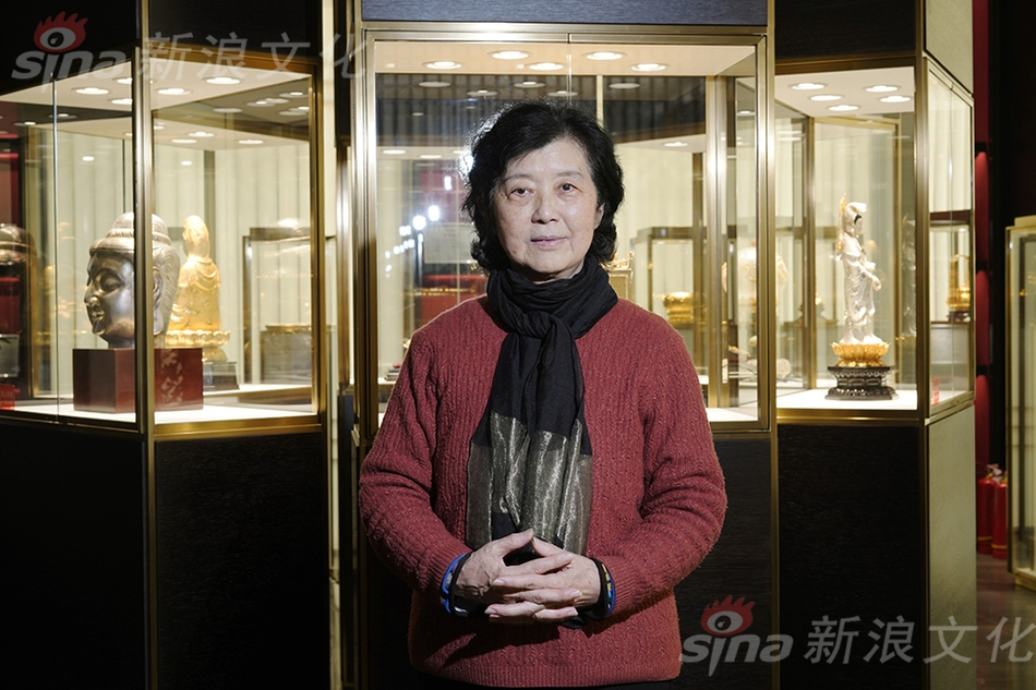 "CGTN探访新疆墓园 攻破西方""故意毁坏维族人坟墓""谎言"