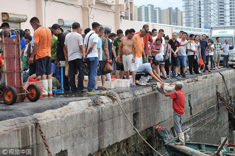"""香港中联办发言人:""""爱国者治港""""必须有制度支撑"""