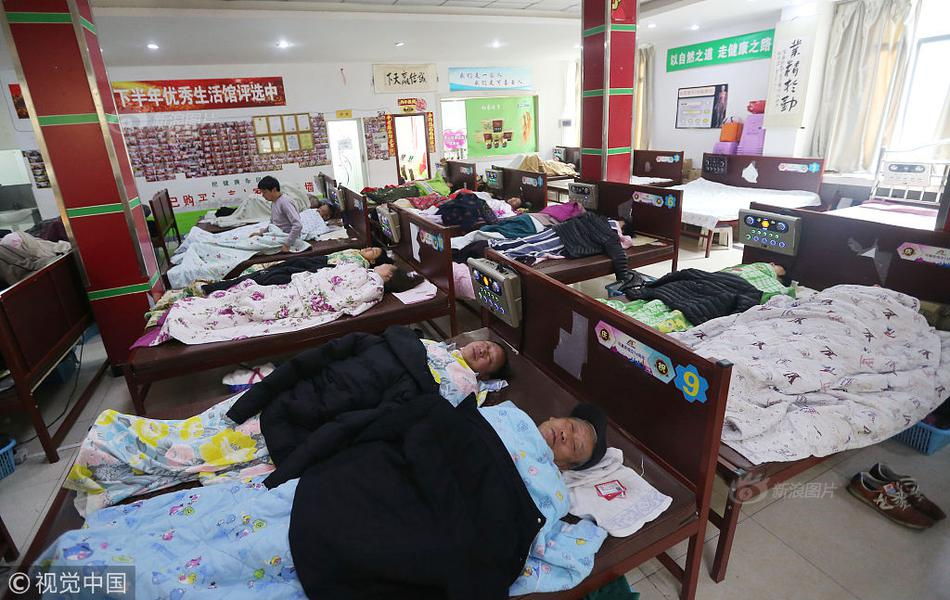 武汉:推进方舱医院建设 提高治愈率