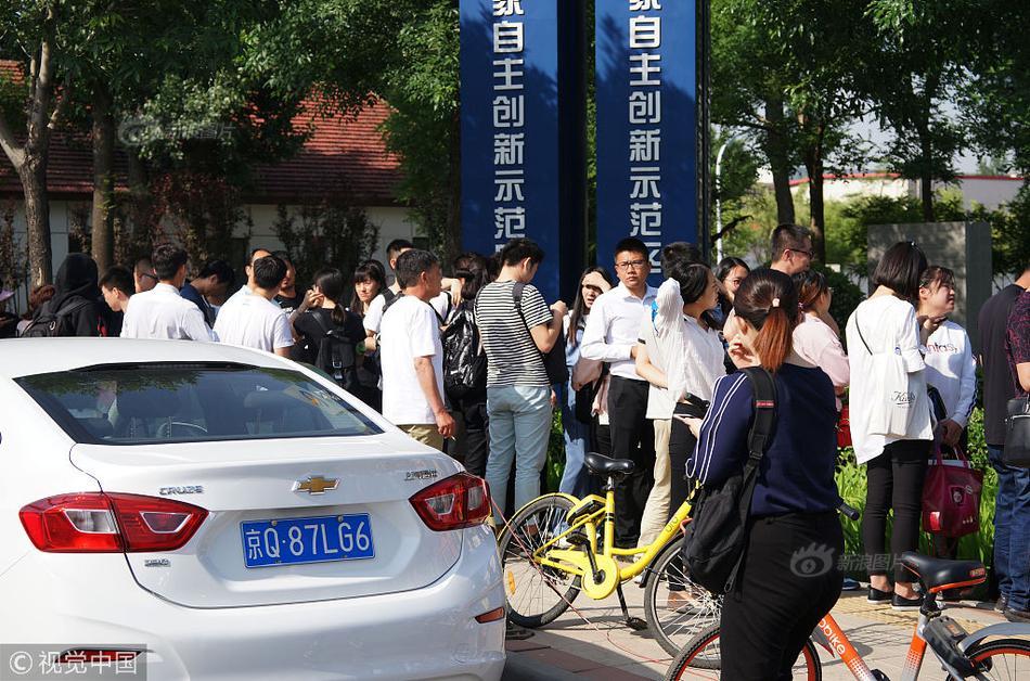 老外看中国:中国正能量视频火到国外,外国网友:看了激动的想哭