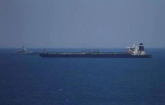 英军扣押伊朗油轮