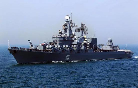 """""""瓦良格""""号导弹巡洋舰"""