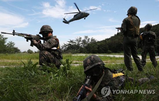 图为美韩说相符军演的场景。(韩联社)