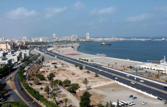 这是2007年9月1日拍摄的利比亚首都的黎波里海边景色。新华社记者蔺以光摄