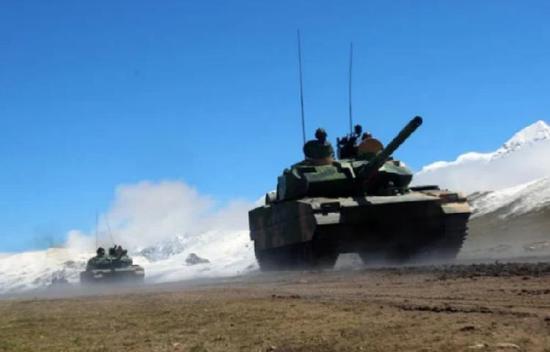 印媒:列城实控线附近发现中国坦克运输车 解放军并未放松警惕