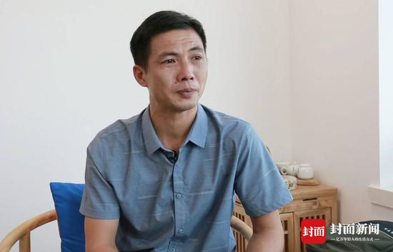 温海萍近照(封面新闻记者代睿摄影)