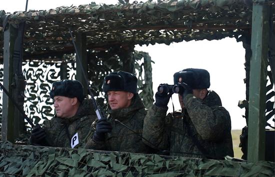 俄罗斯国防部于当地时间3月21日公布的信息,俄军在黑海地区成功进行了大规模反登陆作战演习(图源:俄罗斯国防部)
