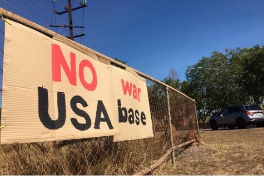 当地居民竖起的抗议标语(图源:澳大利亚广播公司)