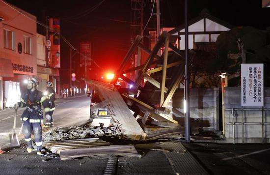 日本福岛近海发生里氏7.3级地震