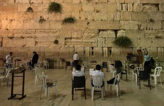 ▲位于耶路撒冷老城的西墙(新华社)