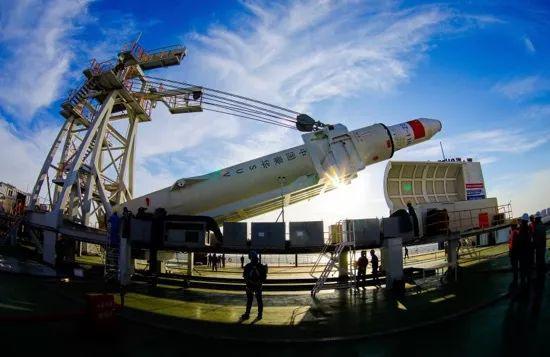 CZ-11 WEY号火箭到港护航