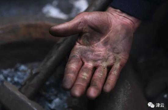 不过章丘铁锅的火爆,还是有些超出刘紫木的预料,准确地说是火爆的味道变了。