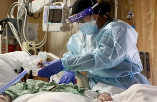 美国一新冠患者杀死同室病友