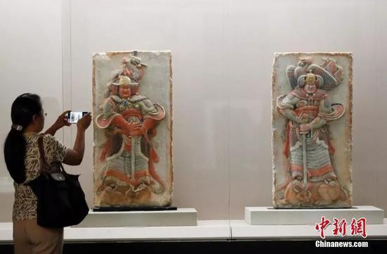 从美国追索的王处直墓浮雕石刻。中新社记者 杜洋 摄