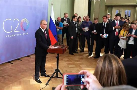▲俄罗斯总统普京出席G20峰会记者迎接会。