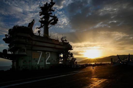 亚伯拉罕·林肯号航母。(图源:美国海军)