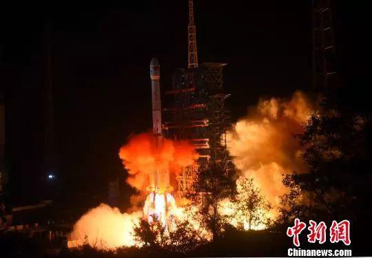 12月8日,嫦娥四号月球探测器成功发射。 孙自法 摄