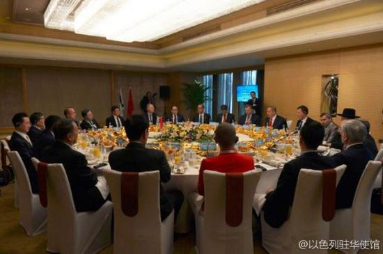▲2017年内塔尼亚胡访问北京,请来10位中国商界巨头共进早餐。(图片源自以色列驻华使馆)