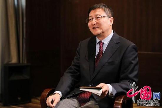 中国网总编辑王晓辉对约瑟夫·奈进行专访。 中国网记者董宁 摄影