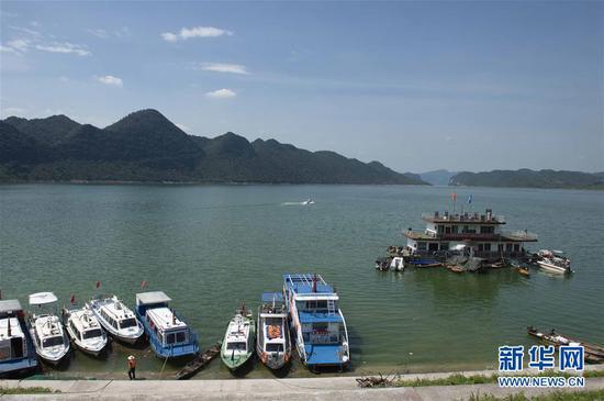 这是7月3日拍摄的乌江江界河渡口。新华社记者 王思维 摄