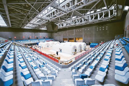 """这是2020年6月23日拍摄的位于北京大兴区体育中心内的气膜版""""火眼""""核酸检测实验室 新华社发 陈钟昊/摄"""