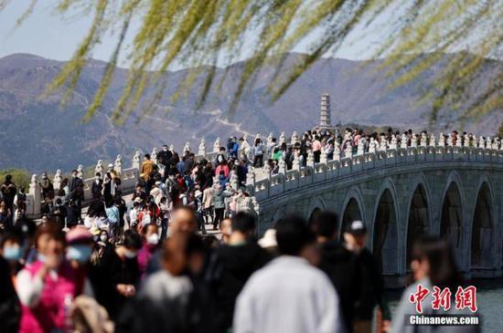 清明假期国内旅游出游1.02亿人次,实现旅游收入271.68亿元