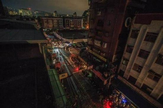 资料图:2017年8月15日,台北就曾发生大面积停电。