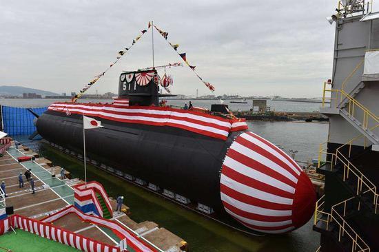 """▲日本海自""""凰龙""""号锂电池潜艇的下水仪式现场照。"""