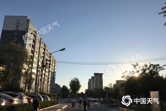 今晨,北京天气晴好。