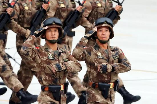 林向阳少将(左)与洪江强少将