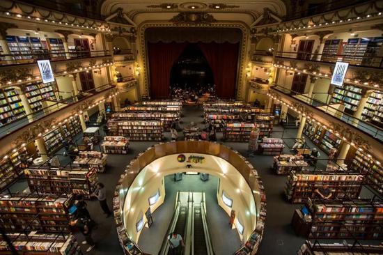 位于布宜诺斯艾利斯市区的雅典人书店。(马丁·萨巴拉摄)