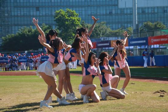 棒球啦啦操 (摄:罗伊晴)