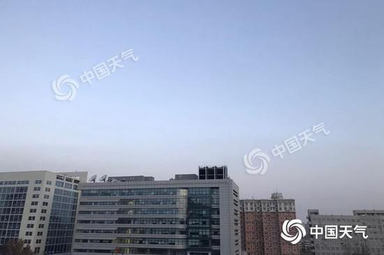 北京今晨晴空上线。