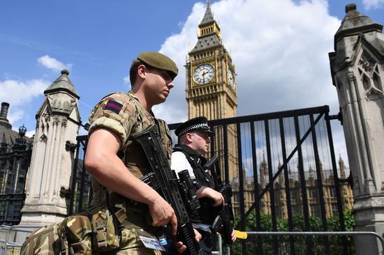 英政府准备无协议脱欧:3500名士兵待命 严防意外
