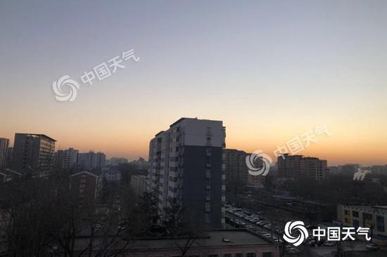 北京气温跌跌不休 周三起全天降至零下
