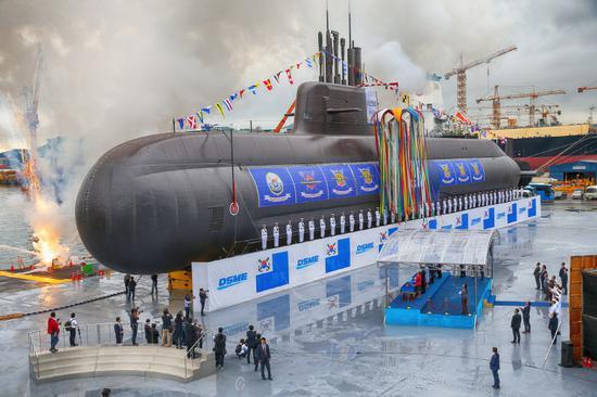 """韩国今年9月下水的""""岛山安昌浩""""号潜艇(韩联社)"""