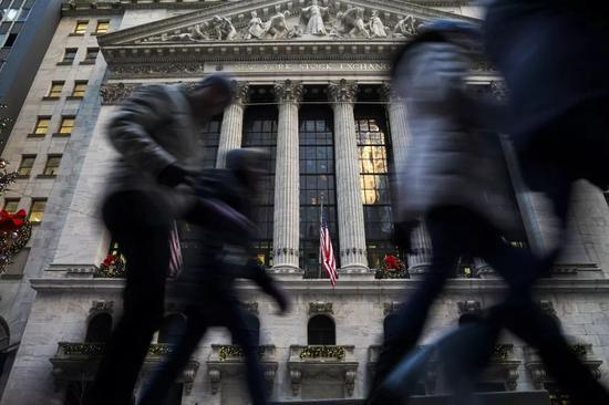 ▲以前一周,美股不息下跌,图为纽约证券营业所。(视觉中国)
