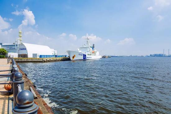 ▲原料图片:2018年7月31日,横滨,停在港口的日本海上保安厅军舰。(视觉中国)